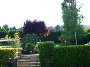 Notre Chambre Du0027hôtes Vue Depuis Le Jardin Avec La Piscine